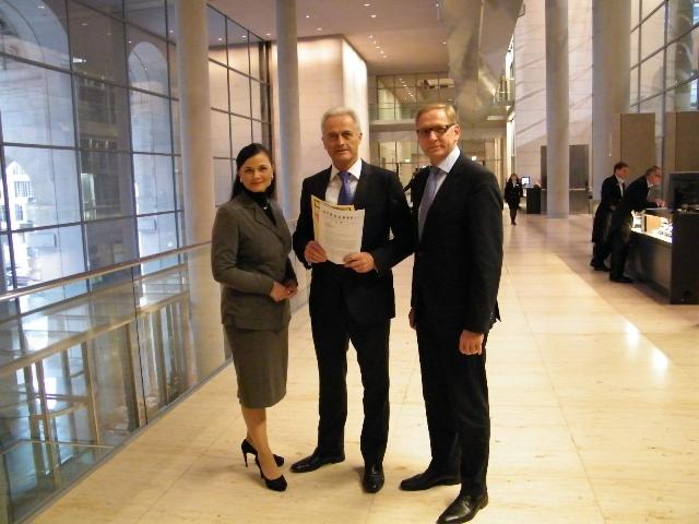 v.l.n.r Gitta Connemann, Bundesverkehrsminister Peter Ramsauer und Franz-Josef Holzenkamp