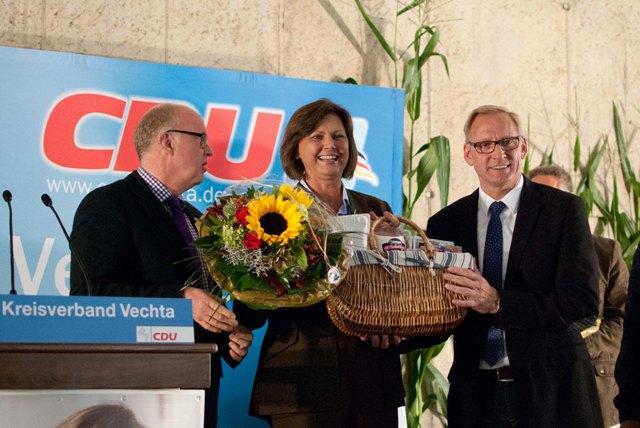 Dr. Stephan Siemer MdL, Bundeslandwirtschaftsministerin Ilse Aigner, Franz-Josef Holzenkamp MdB (Bild: Hannes Achterberg)