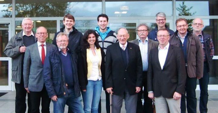 Die CDU-Facharbeitskreise Bildung und Soziales informierten sich bei Schulleiter Jürgen Schiering im Lohner Gymnasium.