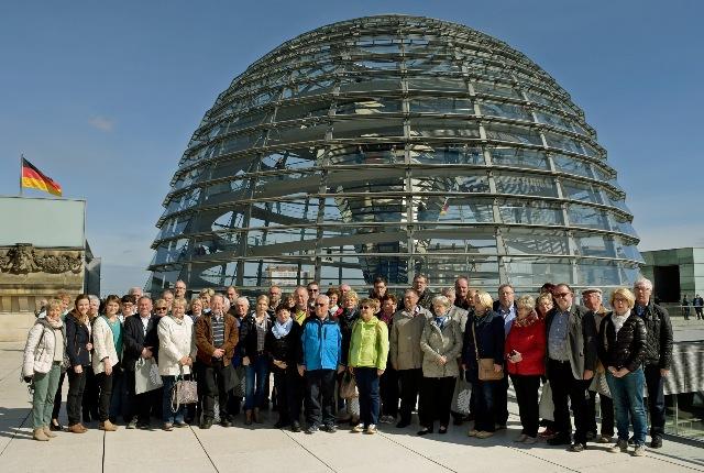 Südoldenburger auf der Dachterrasse des Reichstagsgebäudes