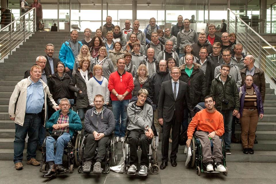 Gruppenbild im Paul-Löbe-Haus mit der Integrationsgruppe Lohne und der Caritas Werkstatt Altenoythe
