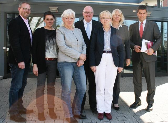 v.l.: Dr. Niels Logemann, Dr. Johanna Schockemöhle, Gabriele Kohlenberg MdL, Dr. Stephan Siemer MdL, Dr. Marion Rieken, Dr. Martina Döhrmann, Jörg Hillmer MdL.