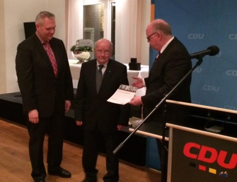Minister Thümler, Bernhard Muhle und Dr. Stephan Siemer.