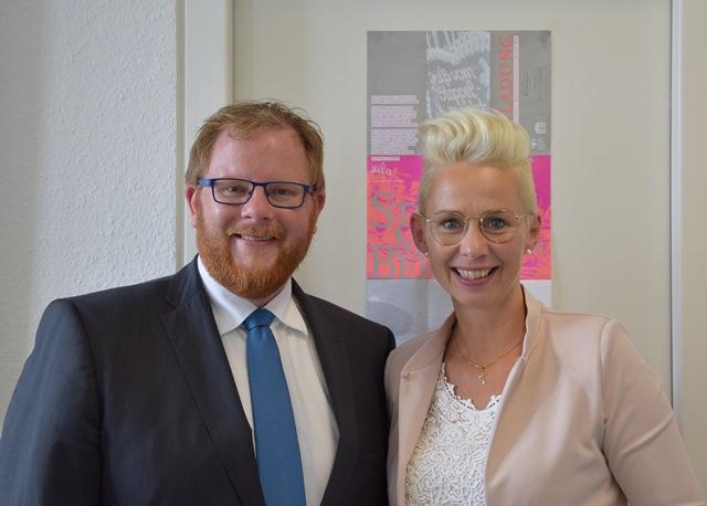 Bild: Wirtschaftsjunior Arno Djuren mit Silvia Breher MdB (© Silvia Breher)