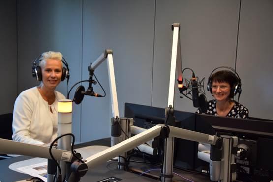 (Bild: Silvia Breher mit Katharina Seiler vom NDR im ARD-Hauptstadtstudio, © Silvia Breher)