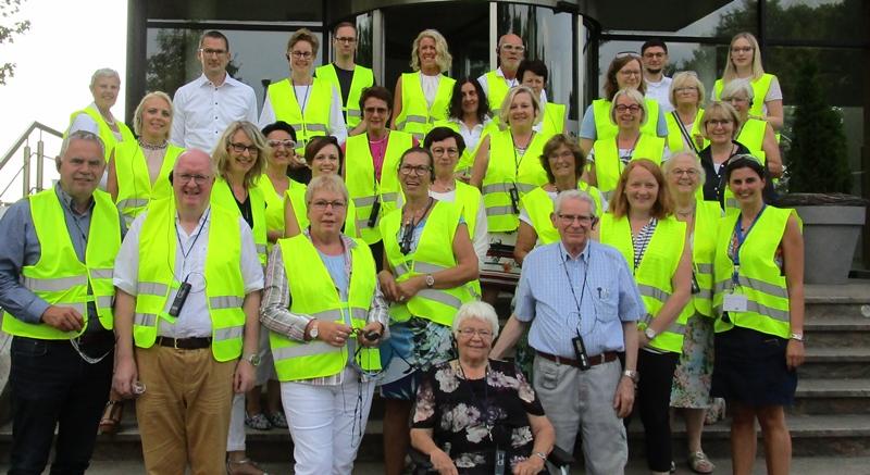 Die CDU-Frauen Union, Kreisverband Vechta, besuchte die Kunststofffirma Pöppelmann in Lohne und informierte sich über den Kunststoff-Kreislauf. Dabei waren auch der CDU-Kreisvorsitzende Dirk Lübbe und der Landtagsabgeordnete Dr. Stephan Siemer